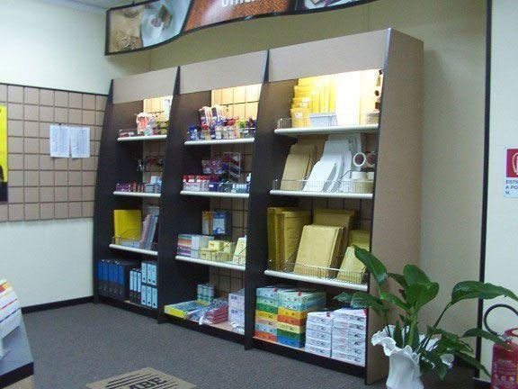 Arredamenti per centri mail boxes etc for Gf arredamenti